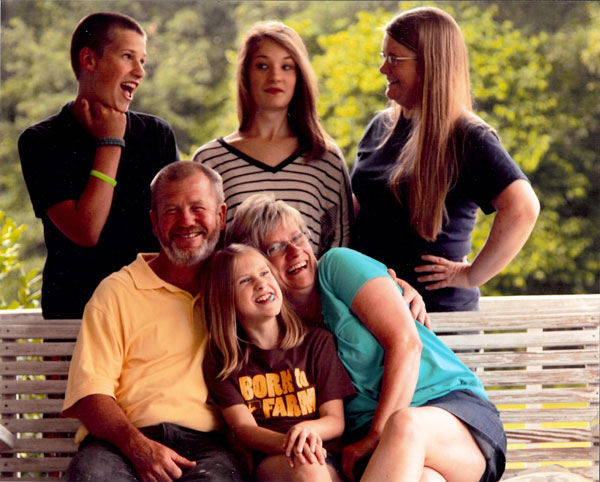 wil-moore-farm---family